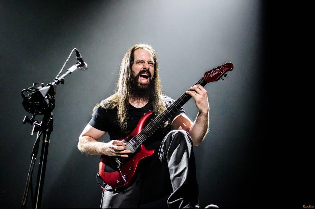 Que necesitas para sonar como John Petrucci